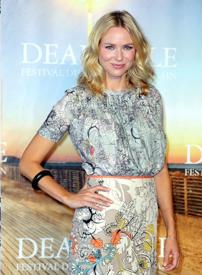 Naomi Watts Medium, Wavy, Blonde Hairstyle