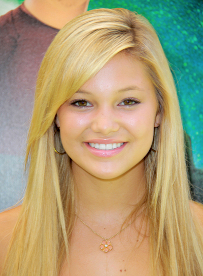 Olivia Holt's Long, Chic, Straight, Blonde Hairstyle
