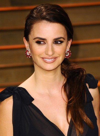 Penelope Cruz Long, Brunette, Sexy Ponytail Hairstyle Pictures