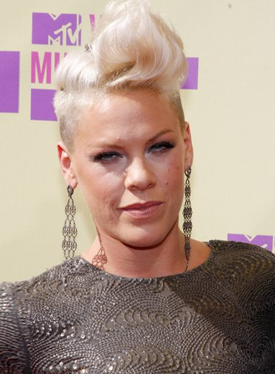 Pink's Short, Wavy, Funky, Blonde Hairstyle