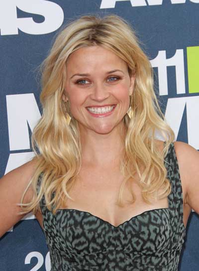 Reese Witherspoon Tousled, Wavy, Chic, Blonde Hairstyle