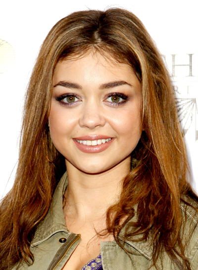 Sarah Hyland's Medium, Brunette, Tousled, Party Hairstyle