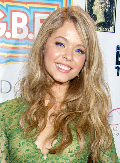 Sasha Pieterse's Long, Wavy, Blonde, Romantic Hairstyle