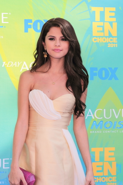 Selena Gomez Long, Curly, Black Hairstyle