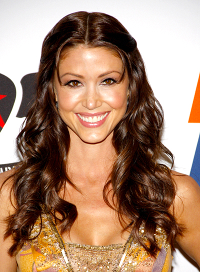 Shannon Elizabeth's Long, Curly, Brunette Hairstyle