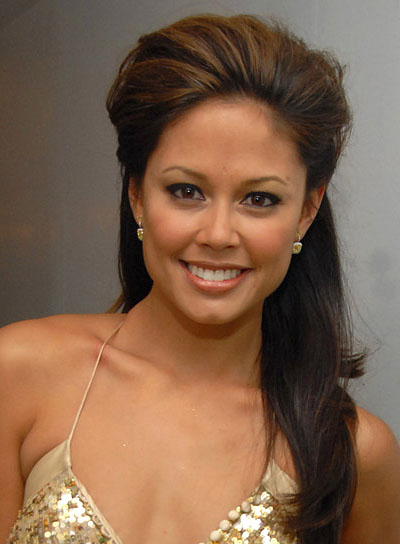 Vanessa Minnillo's Long, Brunette Half Updo