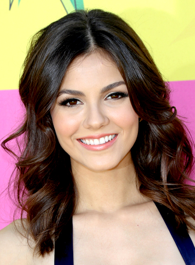 Victoria Justice's Medium, Brunette, Wavy, Romantic Hairstyle